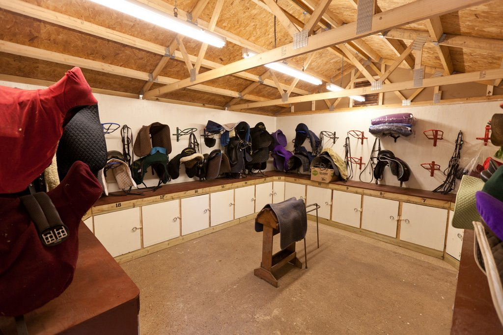 Dry & clean tack room with lockers